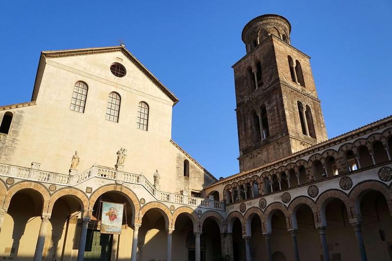 Duomo di Salerno 1- www.villacostierasalerno-bb.it