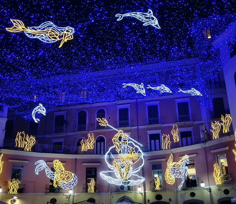 Luci d artista Salerno - bb Salerno - villacostierasalerno-bb.it